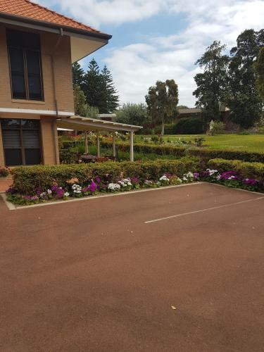 Aged care facility - grounds maintenance